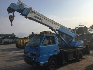 Isuzu NKR58E Hydraulic Truck Crane