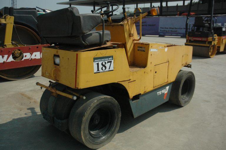 Pneumatic Tire Roller Sakai TS160