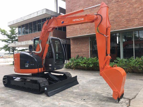 Hitachi ZX75US Excavator (2)